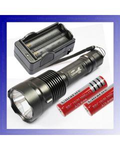 ULTRAFIRE C12 CREE XM-L T6 1300 LUMENS 5 MODES LED ficklampa + 2 * 18650 Batteri + Laddare